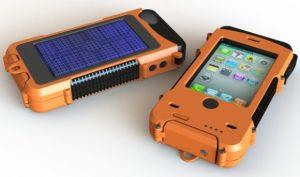 ¿Qué tal una funda de refuerzo de batería súper resistente, impermeable y con energía solar para su iPhone?