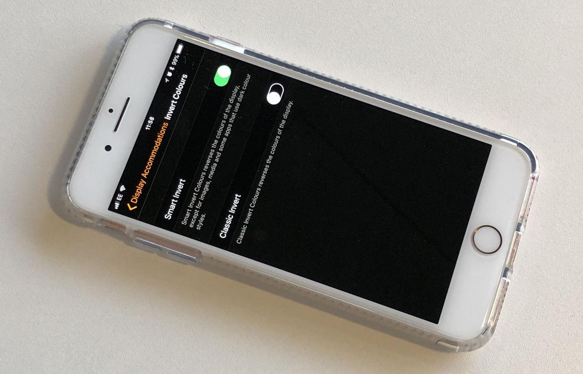 Cómo usar el modo oscuro en iPhone: invertir colores