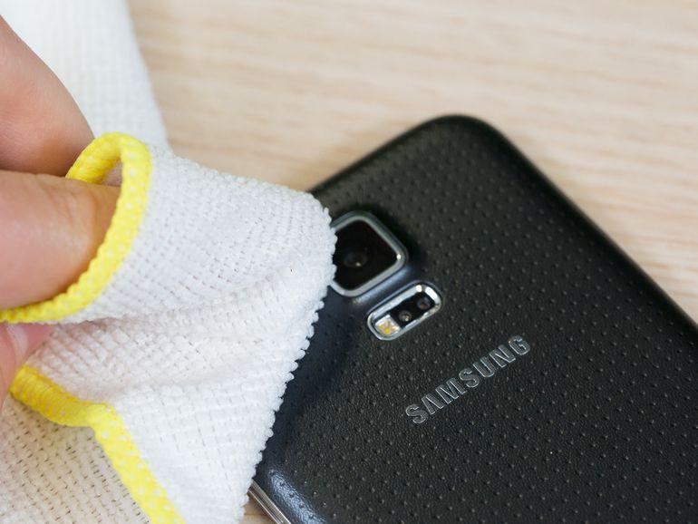 clean-smartphone-lens.jpg