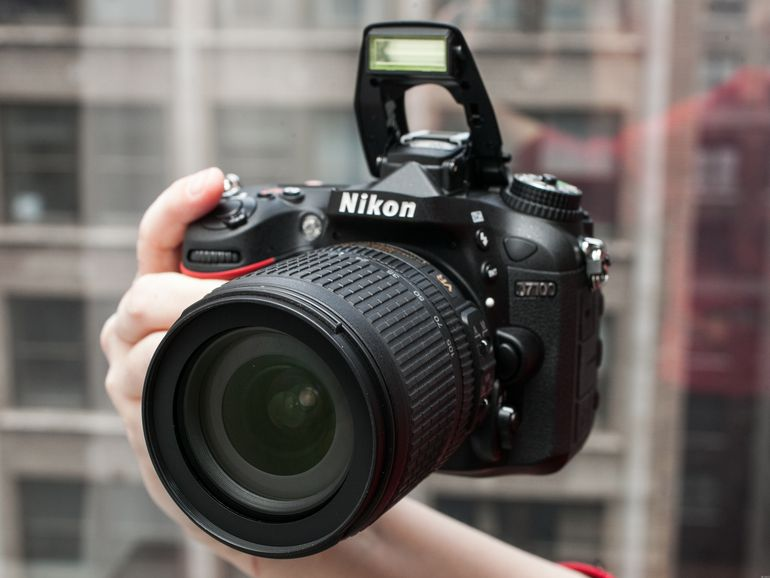 Nikon D7100 (con lente de 18-105 mm)