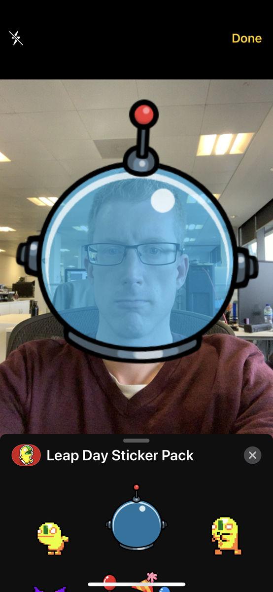 Cómo usar filtros de cámara en Mensajes en iPhone: pegatinas