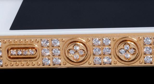 iPhone-5-5 con incrustaciones de oro y diamantes