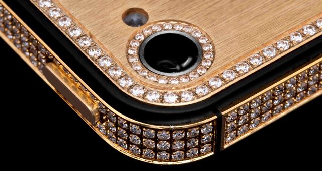 iPhone-5-7 con incrustaciones de oro y diamantes