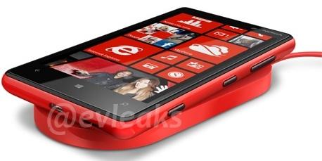 Nokia-Lumia-820-Charging-Pad-Leak-2