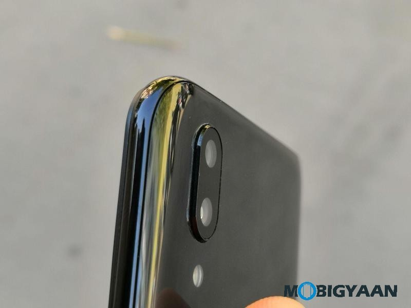 Vivo-X21-Hands-on-World-First-Smartphone-with-In-Display-Fingerprint-Scanner-Images-17
