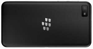Aparece la imagen completa del panel posterior texturizado de BlackBerry 10 L-Series