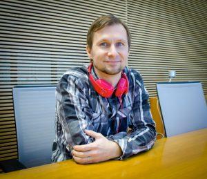 Apple contrata a Ari Partinen, líder de la cámara PureView de Nokia