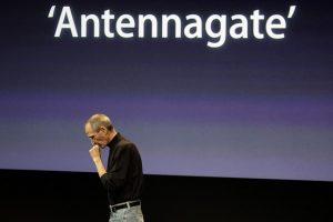 Apple se inclina de nuevo: entrega $ 15 a los consumidores por problemas con la antena