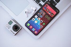 Cómo escribir comillas rectas en iPhone o iPad