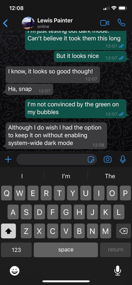 Cómo activar el modo oscuro de WhatsApp en iPhone: chats
