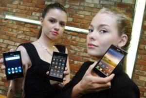 LG explica la nueva estrategia de diseño y anuncia los teléfonos inteligentes Android Optimus L3, L5 y L7 de estilo L