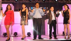 Lanzamiento de la gama de teléfonos inteligentes Alcatel One Touch Idol y Hero en India