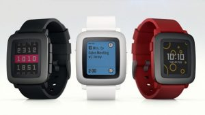 Pebble presenta Pebble Time, su primer reloj inteligente con pantalla a color