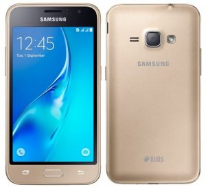 Samsung Galaxy J1 con pantalla de 4.5 pulgadas y soporte 4G VoLTE lanzado en India para Rs.  6890
