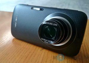 Samsung Galaxy K Zoom recibe un recorte de precio;  ahora viene por solo Rs.19,999