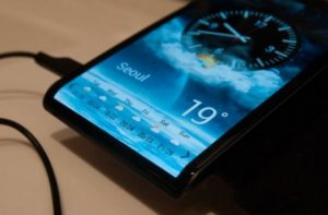 Samsung y LG están listos para lanzar los primeros dispositivos con pantallas flexibles
