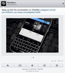 Se encuentra la cuenta oficial de Twitter de BlackBerry twitteando desde un iPhone