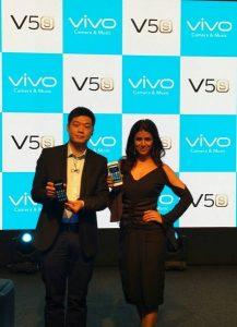 Vivo V5s con cámara selfie de 20 MP con Moonlight Glow lanzado en India por Rs.  18990