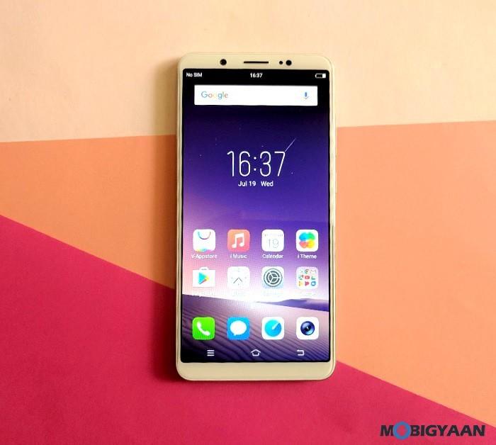 Vivo-V7-Plus-Hands-on-Images-Review-Selfie-Phone-1