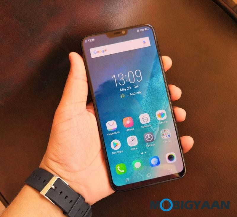 Vivo-X21-Hands-on-World-First-Smartphone-with-In-Display-Fingerprint-Scanner-Images-4