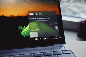 Cómo cambiar la frecuencia de actualización de la pantalla en Windows 10