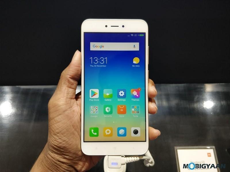 Xiaomi-Redmi-Y1-Lite-con-pantalla-de-5.5 pulgadas-y-cámara-de-13-MP-lanzado-a- ₹ 6999