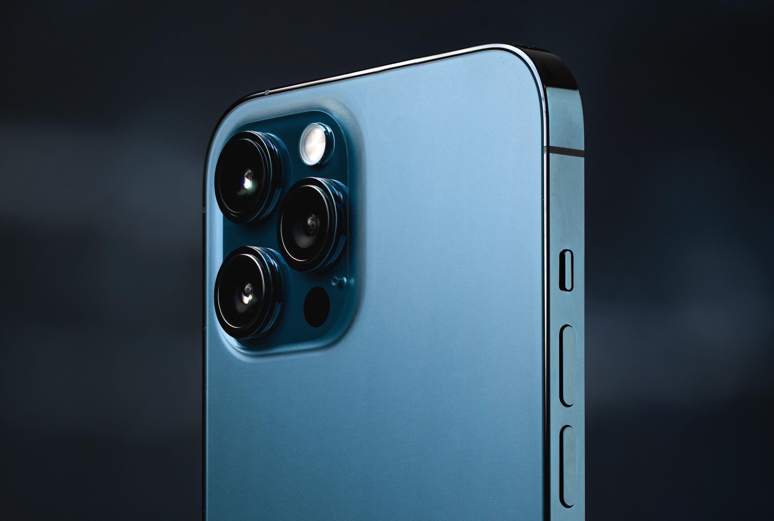 iphone-12-pro-max-hoyle-producto-hero-3
