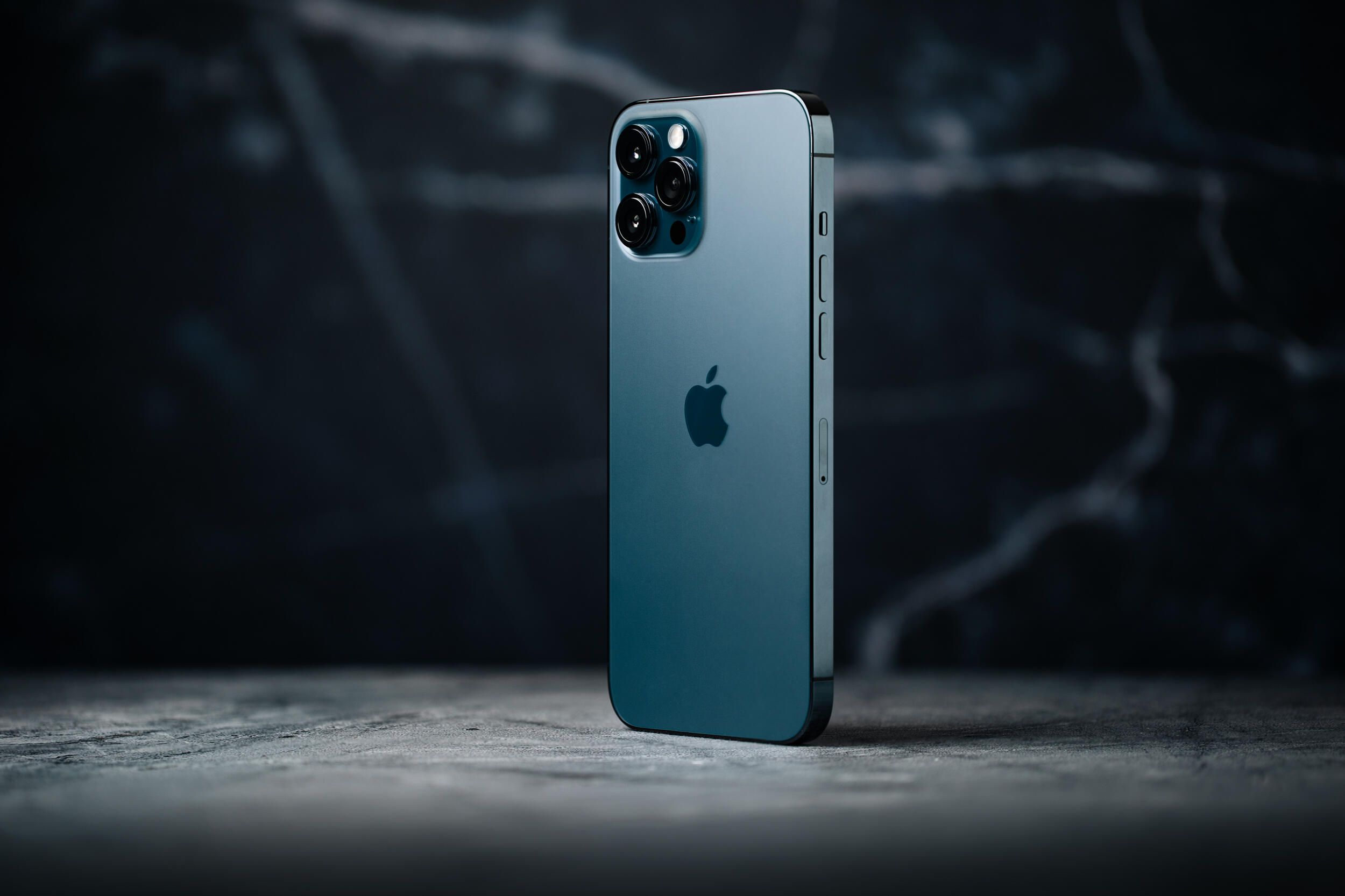 iphone-12-pro-max-hoyle-producto-hero-2